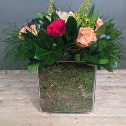Σύνθεση Γυάλα Κόκκινα Ροδακινί Τριαντάφυλλα