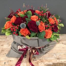 Σύνθεση Λουλούδια Πουγκί Μόκα Κόκκινα Πορτοκαλί Λουλούδια