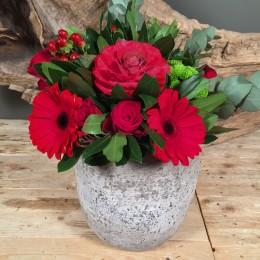 Πέτρινο Κασπώ Μπουκέτο Κόκκινα Τριαντάφυλλα Υπέρικουμ Μπράσικα
