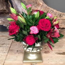 Σύνθεση Λουλούδια Χρυσό Κασπώ Κόκκινα & Ροζ Τριαντάφυλλα