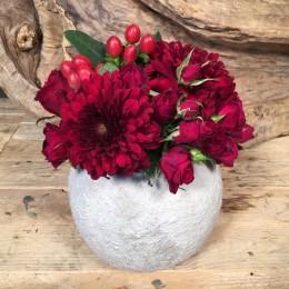Σύνθεση Λουλούδια Στρογγυλό Κασπώ Κόκκινα Τριαντάφυλλα Χρυσάνθεμα & Υπέρικουμ