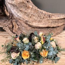Σύνθεση Λουλούδια Τριαντάφυλλα Κάλλες Ευκάλυπτο Αγρού
