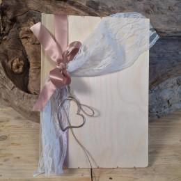 Ξύλινο Βιβλίο Ευχών Με Ασημένια Καρδιά