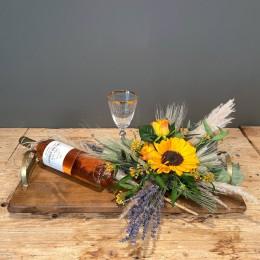 Επαγγελματικό Δώρο Δίσκος Ξύλινος Σύνθεση Λουλούδια Ροζέ Κρασί Κρυστάλλινο Ποτήρι