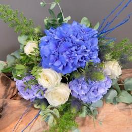 Μπουκέτο Τριαντάφυλλα Μπλε Ορτανσίες Ερίτζιουμ