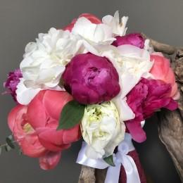 Νυφικό Μπουκέτο Γάμου Φούξια Λευκές Παιώνιες Λευκές Ορτανσίες