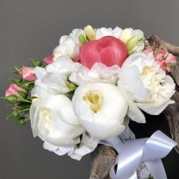 Νυφικό Μπουκέτο Γάμου Παιώνιες Ορτανσίες Φρέζιες & Μίνι Τριαντάφυλλα