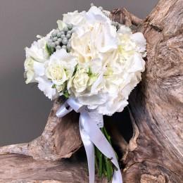Νυφικό Μπουκέτο Γάμου Λευκές Ορτανσίες Τριαντάφυλλα & Silver Brunia