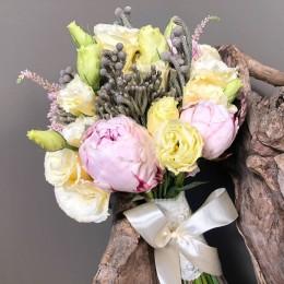 Νυφικη Ανθοδέσμη Γάμου Παιώνιες Τριαντάφυλλα Αστίλμπ Silver Brunia