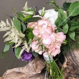 Νυφική Ανθοδέσμη Γάμου Λεβάντα Ορτανσίες Αστίλμπ Λυσίανθος Χρυσάνθεμα