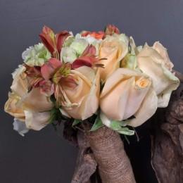 Νυφικό Μπουκέτο Γάμου Σομόν Τριαντάφυλλα Λευκή Ορτανσία