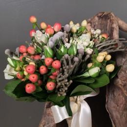 Νυφική Ανθοδέσμη Μίνι Τριαντάφυλλα Υπέρικουμ Μπουβάρδια Silver Brunia