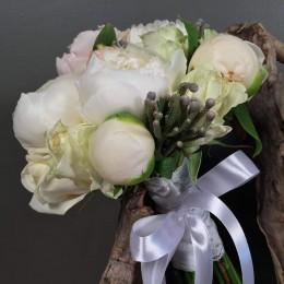 Νυφικό Μπουκέτο Γάμου Λευκές Παιώνιες Silver Brunia