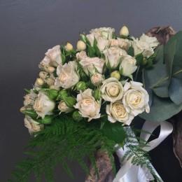 Νυφικό Μπουκέτο Γάμου Μίνι Τριαντάφυλλα Υπέρικουμ