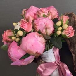 Νυφικό Μπουκέτο Γάμου Ροζ & Λευκές Παιώνιες