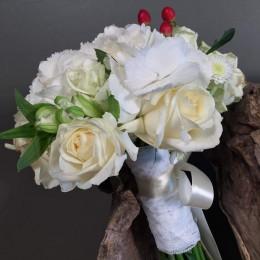 Νυφικό Μπουκέτο Ορτανσία Τριαντάφυλλα Κόκκινο Υπέρικουμ