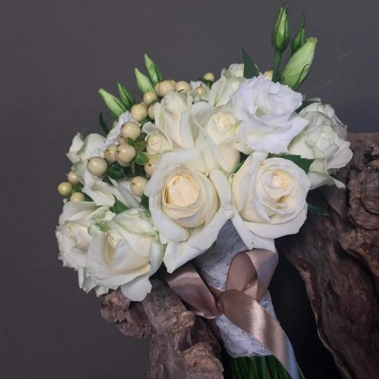 Νυφική Ανθοδέσμη Γάμου Λευκά Λουλούδια