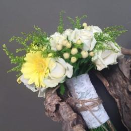 Νυφικό Μπουκέτο Γάμου Λευκά & Κίτρινα Λουλούδια