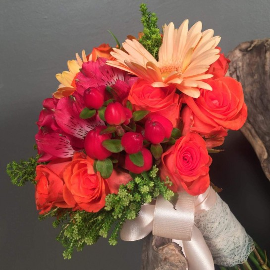 Νυφική Ανθοδέσμη Γάμου Πορτοκαλί Κόκκινα Σομόν Λουλούδια