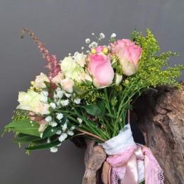 Νυφικό Μπουκέτο Γάμου Ροζ Τριαντάφυλλα & Λεπτομέρεια Λευκό