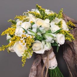 Νυφική Ανθοδέσμη Γάμου Λευκά Τριαντάφυλλα Αλστρομέρεια Χαμομήλι Σολιντάγκο