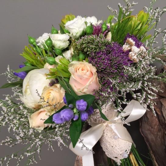 Νυφική Ανθοδέσμη Γάμου Παιώνιες & Λουλούδια Του Αγρού