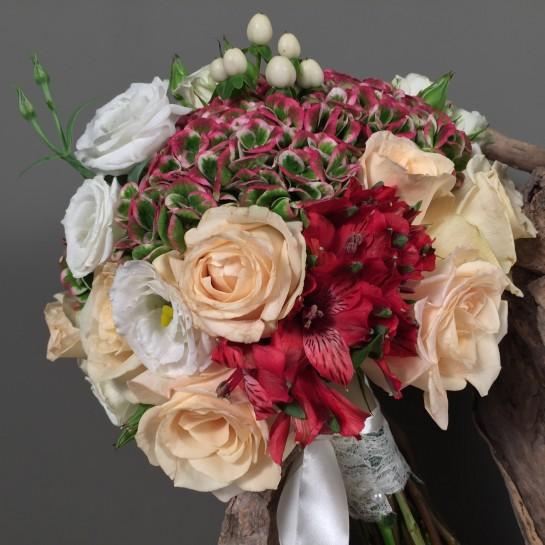 Νυφική Ανθοδέσμη Γάμου Ορτανσία Τριαντάφυλλα Υπέρικουμ Λυσίανθο Αλστρομέρια