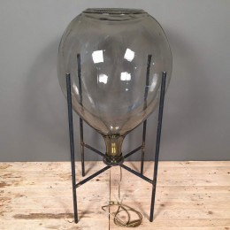 Επιτραπέζιο Φωτιστικό Μεταλλική Βάση Γυάλινη Νταμιτζάνα 88εκ